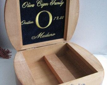 Vintage Oliva Cigar Family Wooden Cigar Box 1970s