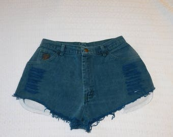 Vintage Wrangler Green Cut Off Distressed Shorts Waist Measured 30 Inches Very Short Shorts H