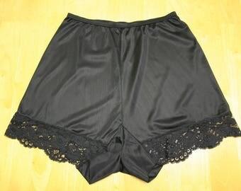 Vintage Vanity Fair Short Slip Pantaloons - Excellent Condition