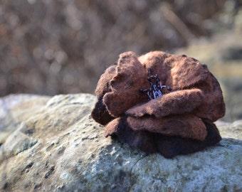 Felt brooch, wool flower brooch pin, brown flower, copper brown flower, felted jewelry, wool jewelry, handmade brooch, wet felt flower pin
