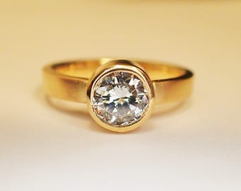Ring solid gold 18 kt Diamond