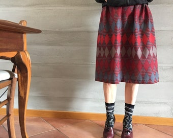 Lightweight wool skirt