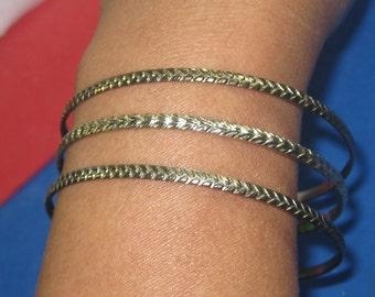 Q-25 Vintage Bracelet 7 in long