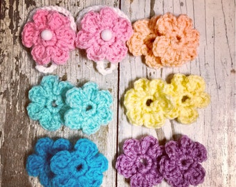 Crochet newborn 3,6,9 month baby barefoot sandals with interchangeable flowers