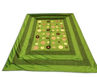 Indian Silk Embroidery Floral Design Green Color Double Bed Cover 260x240 CM