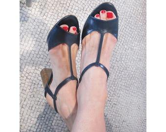 Blue Leather open toe sandal, Women blue T strap sandal, Blue leather sandal, Handmade in Italy, Women pink leather shoes, Melbourne