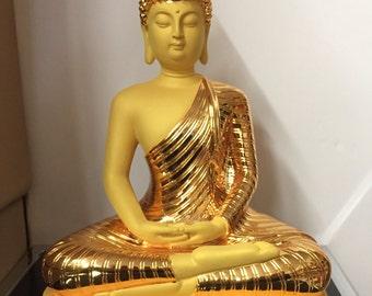 Gold Thai Buddha Statue