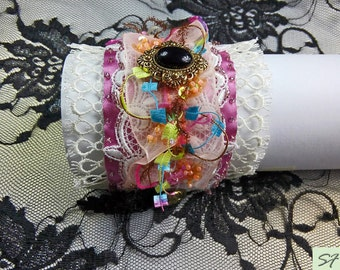 Wide Pink White Bracelet, Fabric cuff bracelet, Bridal cuff bracelet lace, Shabby chic jewelry,fabric wrist cuff, Wide cuff, Textile jewelry