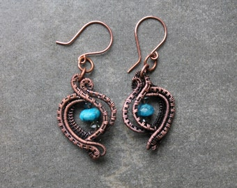 Wire weave earrings using blue agate bead and swarovski crystals