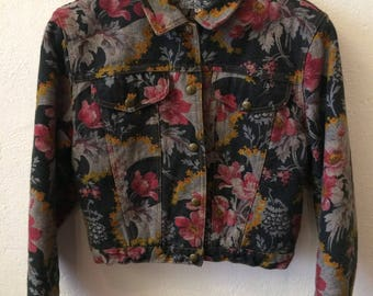 Beautiful 80's Kenzo jeans floral printed jacket, medium size, made in France