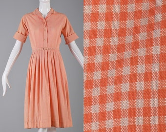 Medium 1960s Day Dress 60s  Short Sleeve Summer Dress Gingham Dress Check Casual Day Dress House Dress Pleated Skirt Elbow Sleeves Vintage