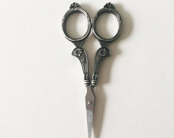 Silver Vintage Style Scissors/Floral Scissors/Embroidery Scissors/Cross Stitch Scissors/Small Scissors/Mini Scissors/Pretty Scissors