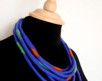 Purple Felt Necklace, Felt jewelry, Eco-friendly wool, Hand Felted Merino,Textile jewelry, Neck piece,