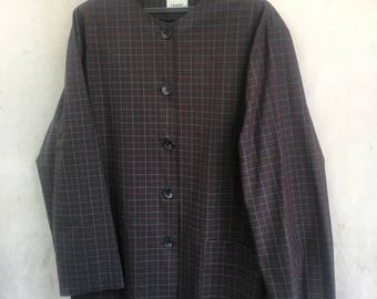 Oversized cotton checked light jacket with two front pockets.