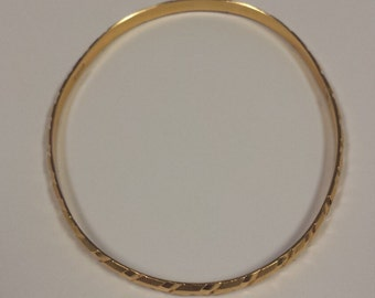 Heavy Vintage 21K Yellow Gold Bangle From a British Commonweath Country