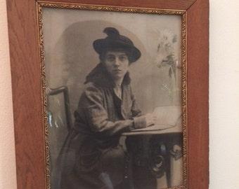 Antique photo / vintage photo frame / antique picture / wooden frame / portrait