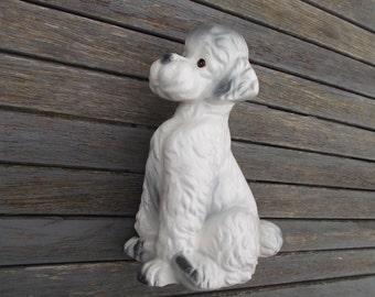 caniche en porcelaine, statuette de chien en faïence, déco vintage années 80