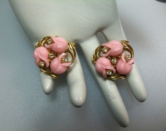 Lovely Vintage Gold Tone Pink Plastic Thermoset Tulips and Clear Rhinestones Clip earrings