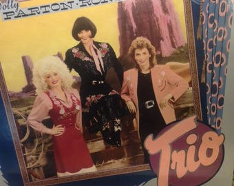 """Emmylou Harris, Dolly Parton, Linda Ronstadt- """"Trio"""", 33 rpm 12"""" country album, 80s country music, """"Telling Me Lies"""", The Pain of Loving You"""