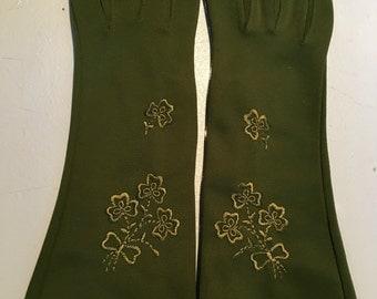 Vintage 1950s Olive Green Clover Wrist Gloves - Size 6
