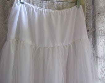 soft crinoline, slight fulling, white, layers of tulle, for prom, theater, cosplay, wedding , costume