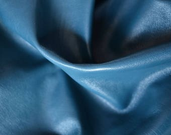 Blue Natural Leather Italy hide  5-6 sq ft  70cm x 55cm   ,   Thickness :  1,3-1,6 mm, Italian Genuine Leather  b804