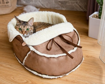 Unique Moccasin Pet Bed for Cats, Dogs and Pets. Modern Cat and Pet Furniture, Cat Cave, Cat Condo, Gift for Cat and Cat Lovers, Cat Housing