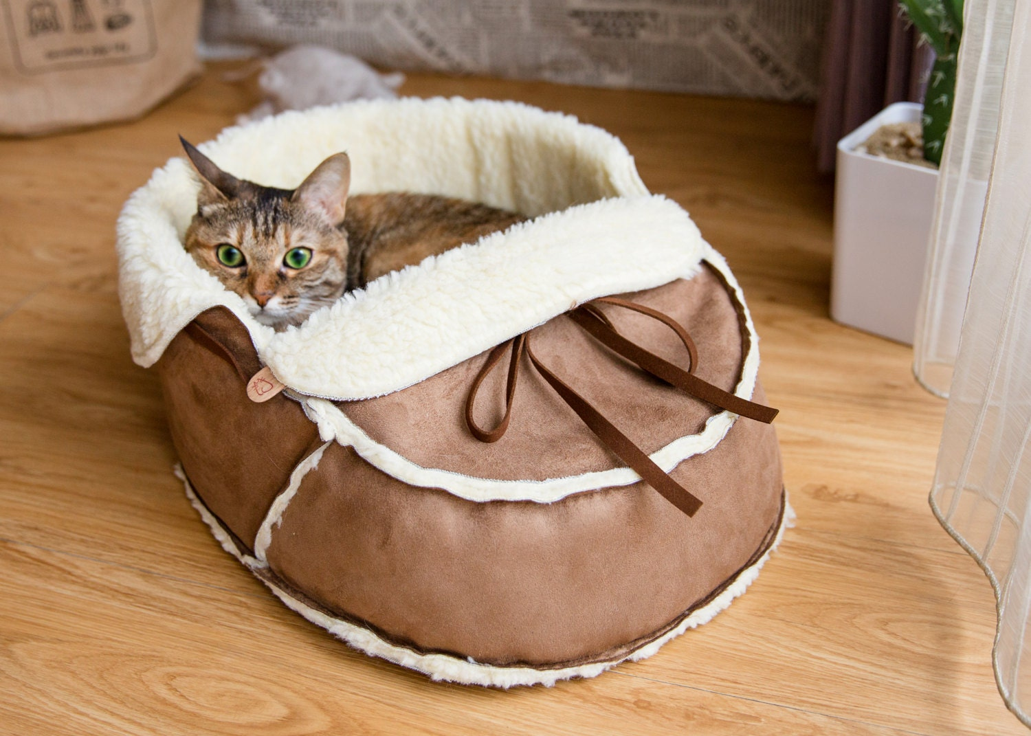 unique moccasin pet bed for cats dogs and pets modern cat. Black Bedroom Furniture Sets. Home Design Ideas