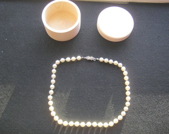 Pearl Necklace ca. 45 cm length probably turned art beads in Acacia can natural