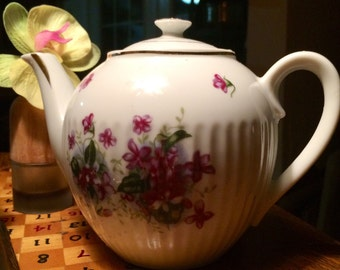 Vintage Violets Tea Pot