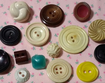 15 Assorted Vintage Buttons #2