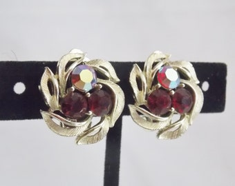 Lisner Red AB Rhinestone Gold tone Clip on Earrings Red Earrings Lisner Earrings gold Tone Earrings Rhinestone earrings