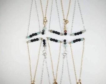 Minimalistic Lava rock bracelet•Diffuser jewlery with healing crystal