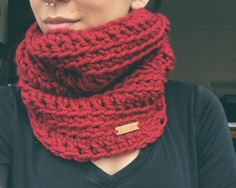 READY TO SHIP--Women's Red short cowl, Jacket Cowl, Valentine's Day cowl