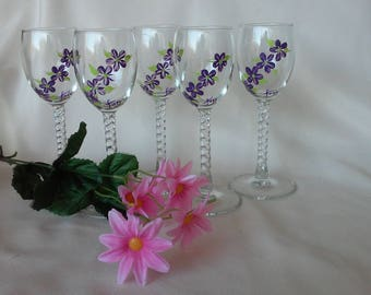 Hand painted wine glasses with tiny purple flowers and green leaves/(4)Mother's day gifts//bridal shower//Christmas gifts//gifts for her