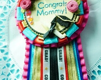 Mommy Graduation Corsage Personalized Pin - Multicolored with Flowers/Grad Cap/Diploma