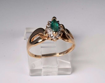 1.9 Gram 10K Yellow Gold Emerald Ring , Size 7