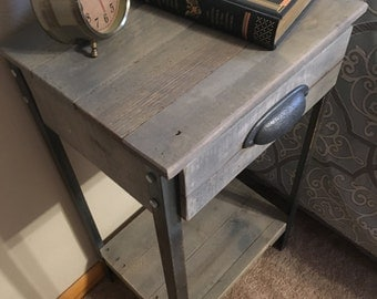 Night Stand/End Table With Drawer