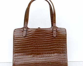 Brown vegan leather handbag alligator crocodile skin imitation  clutch retro patent leather handbag vintage 1960s 60s