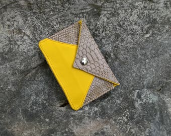 Gate cards Beige and yellow pocket for ID, envelope, flat pouch clutch
