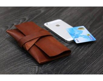 Leather phone case - customizable to every phone model! Sleeve | Cover | Smartphone | Mobile | Handmade | Unique | Cognac.