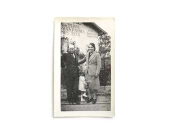 1930 Vintage Family Photo With Little Girl Hiding - Southern France