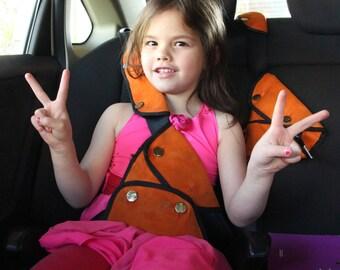 Toddler seat belt cover Car seat strap protectors Car seat harness pads Seat belt holder Seat belt stopper Cover for car seat buckle Seat