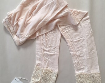 SALE...powder pink leggins | laced cotton cropped legging