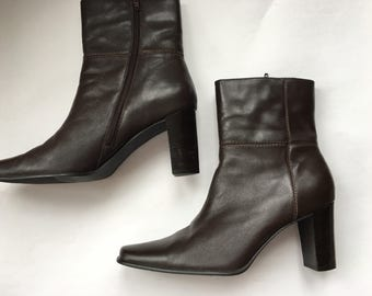 Vintage brown boots Women's size 10