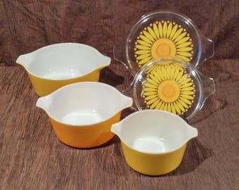Pyrex Set of 3 Cinderella Nesting Bowls, free shipping