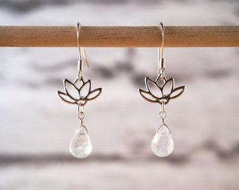 Moonstone Earrings, Silver Lotus Earrings, Moonstone Silver Earrings, Lotus Jewelry, Moonstone Jewelry, Lotus Earrings, Flower Earrings