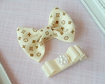 Baby Clip - Infant Toddler Clip -  Baby Clips Set of 2 - Printed Ivory Bow - Ivory  Mini double Tuxedo Bow.