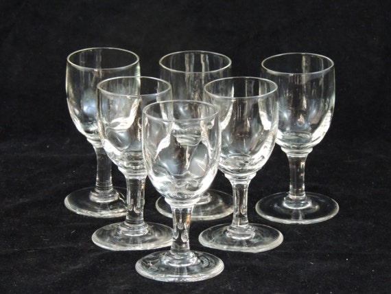 6 small glass tableware has aperitif with gleam of faceted glasses French Vierzon centre of the France