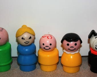 Vintage Fisher Price Little People Family Mom Dad Brother Sister Dog